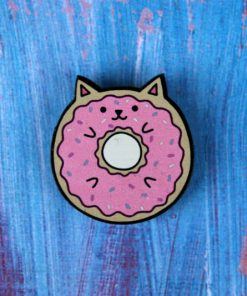 Деревянный значок Кот-пончик