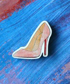 Деревянный значок Розовая туфелька