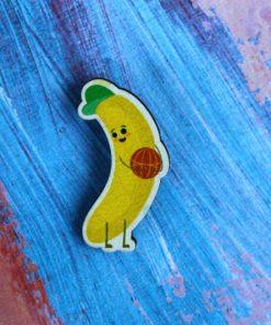 Деревянный значок Банан баскетболист