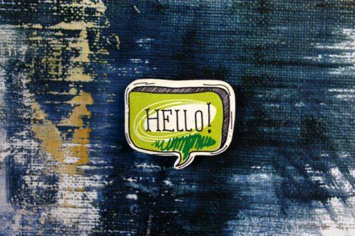 Деревянный значок Надпись Hello