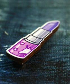 Деревянный значок Помада фиолетовая