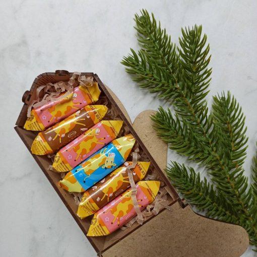 Варежка новогодняя (короб деревянный)